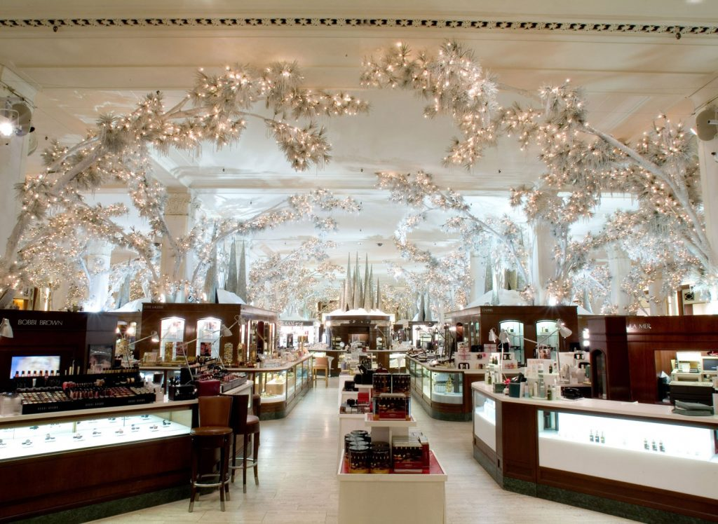 01-american-christmas-saks-fifth-avenue